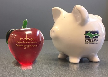 apple and piggy bank