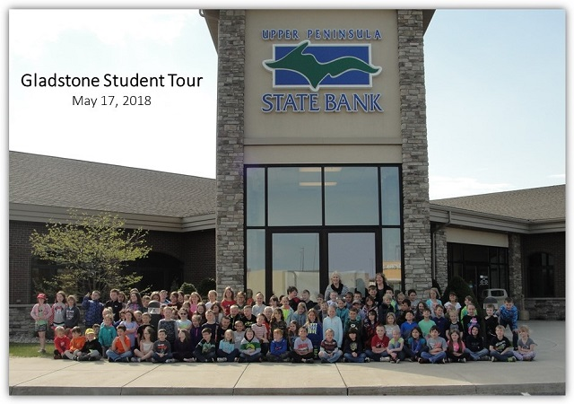 Gladstone Student Tour Group Picture